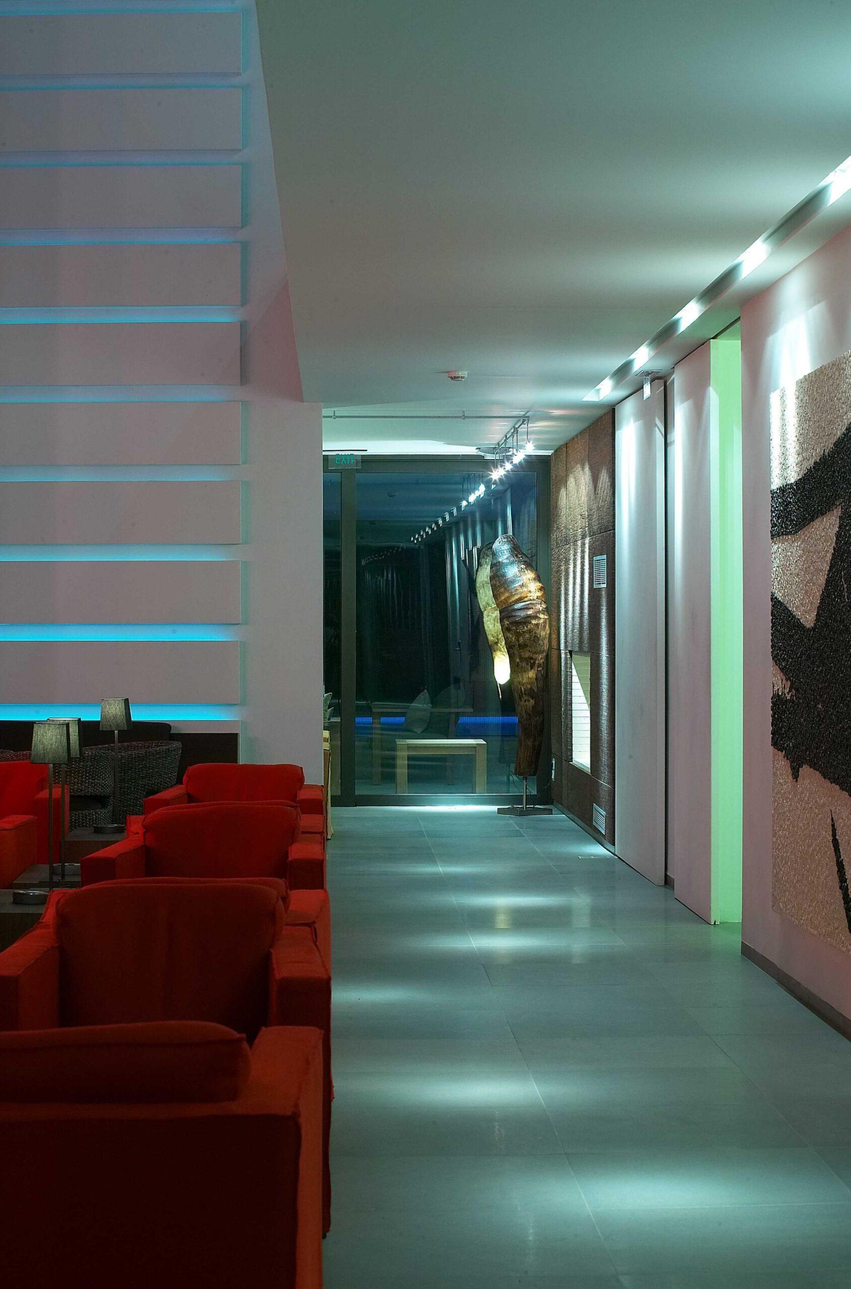 Life Gallery - Kool Life Bar